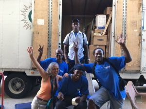 Cousins USA movers with client